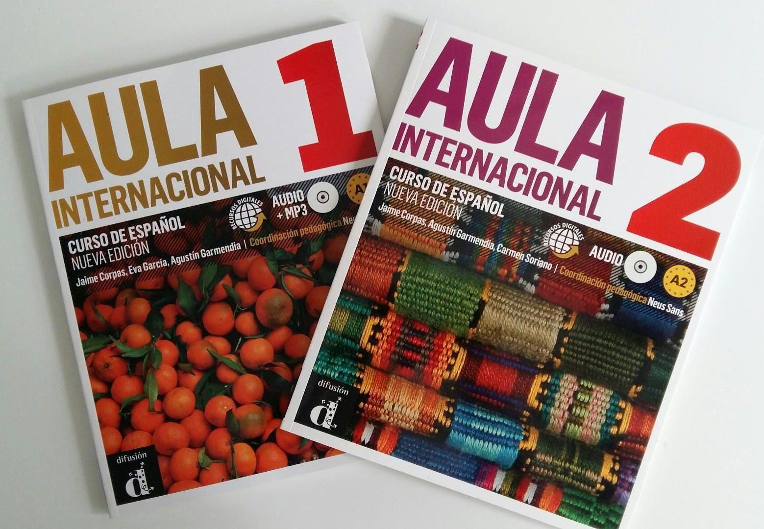 Nuestros manuales para las clases de francés y de español para extranjeros/as